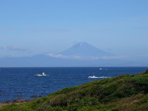 朝から綺麗な富士山です。