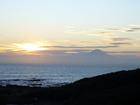 夕日に映える富士山のシルエット